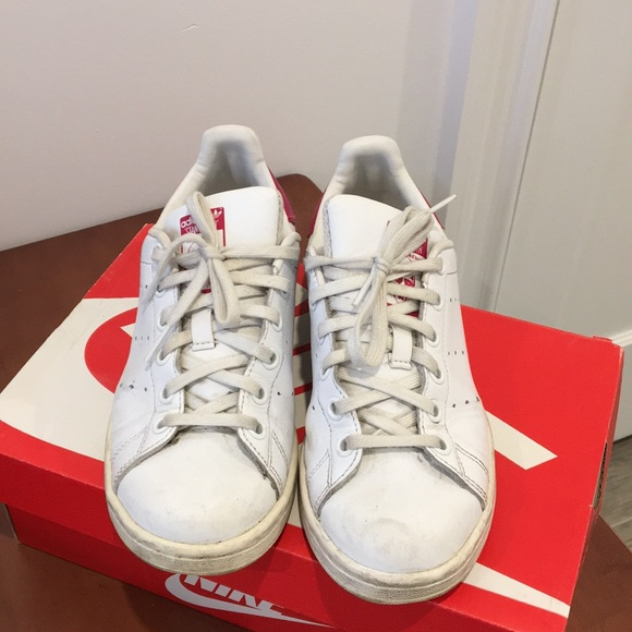 separation shoes 93b67 86dd9 Stan Smith sneakers kids size 4
